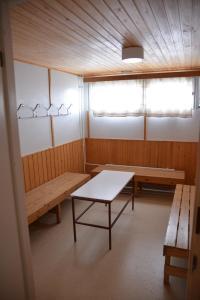 Yhteissaunan pukuhuone